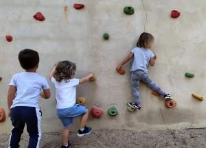 Infantil_exteriors_activitats_rocòdrom